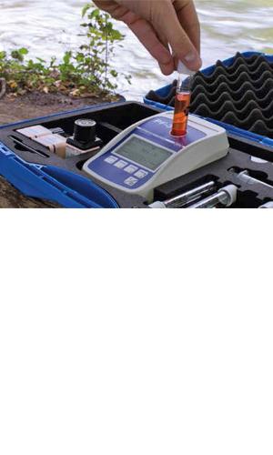 Nový kompaktní fotometr PF-3 pro chov ryb umožňuje pohodlnou a bezpečnou analýzu všech důležitých parametrů rybářské vody. Ideálně se hodí pro mobilní analýzu vody přímo v místě zájmu. Díky intuitivnímu ovládání je manipulace s fotometrem velmi snadná a pohodlná.Optika odolná proti nárazům a vodotěsnost podle IP 68 zaručují bezpečné výsledky i za těžkých podmínek.