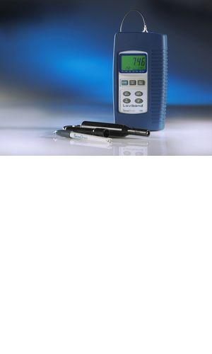 Od ledna 2018 nová pH elektroda typ 226!   použití dvou keramických membrán a vysoce kvalitní skleněné membrány zajišťuje krátkou dobu odezvya přesné naměření hodnot dokonce i u iontově deficientních vzorků minimální údržba univerzální použitelnost